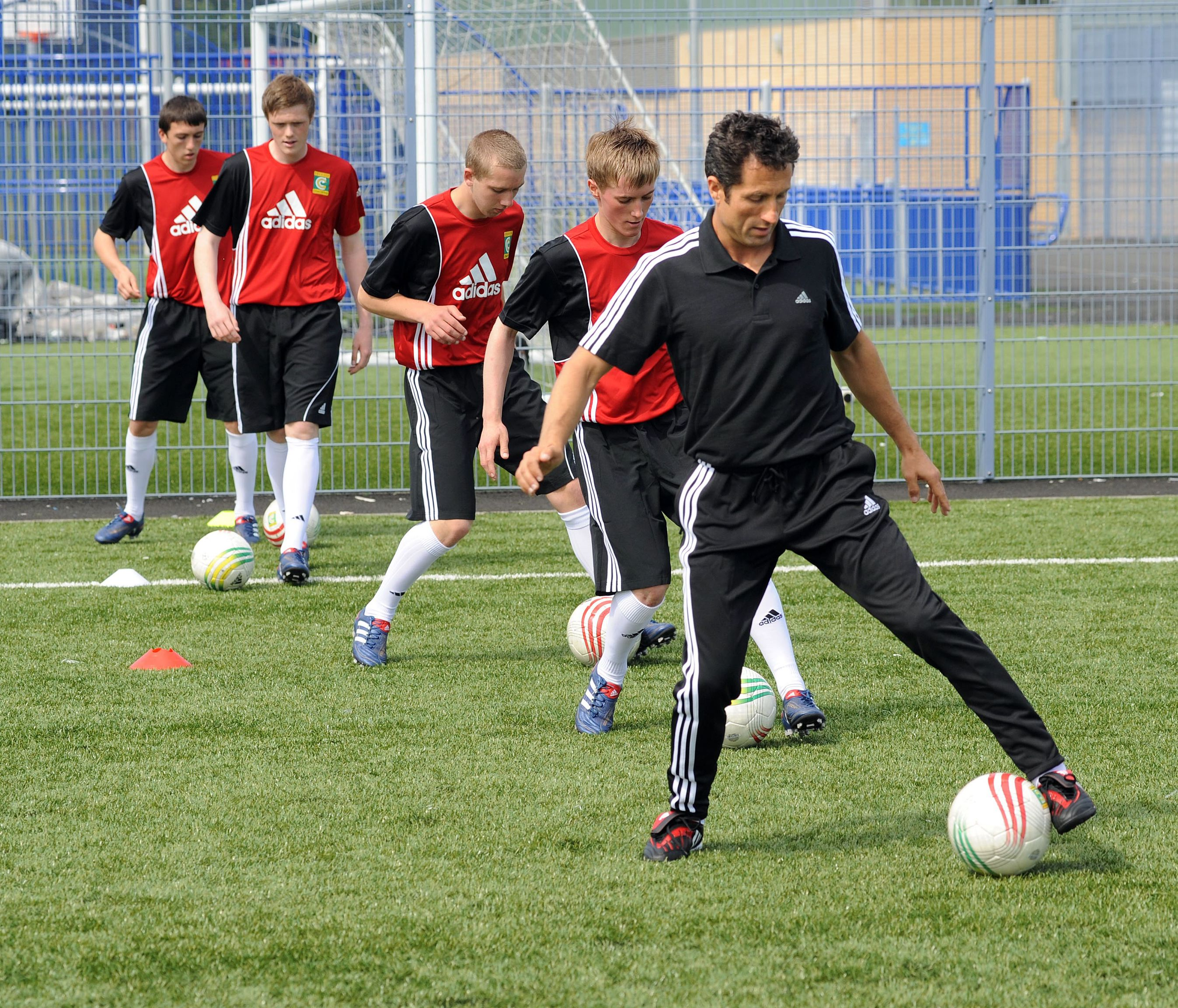 Children S Youth Sports: John Collins To Attend Scottish Launch Of Coerver Coaching
