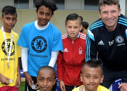Coerver® Coaching Performance Academy Player receives award from Chelsea FC